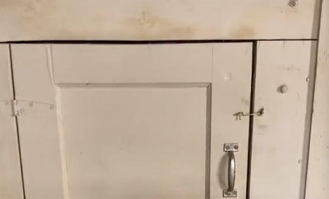 Жилищный инспектор проверял дом и нашел секретный тоннель: он привел мужчину в холодное помещение