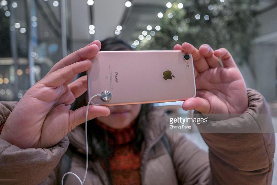 """О веских причинах для """"бедных"""" переплатить за iPhone"""