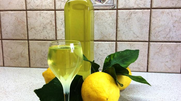 Рецепт итальянского лимонного ликера Лимончелло кулинария,лимончелло,напитки,напитки алкогольные
