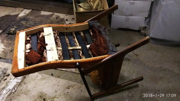 как надоедало шкуркой работать разбирал второе кресло
