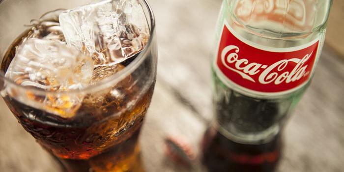 Чрезмерное употребление сахара + газировки = сахарный диабет и травмы колен