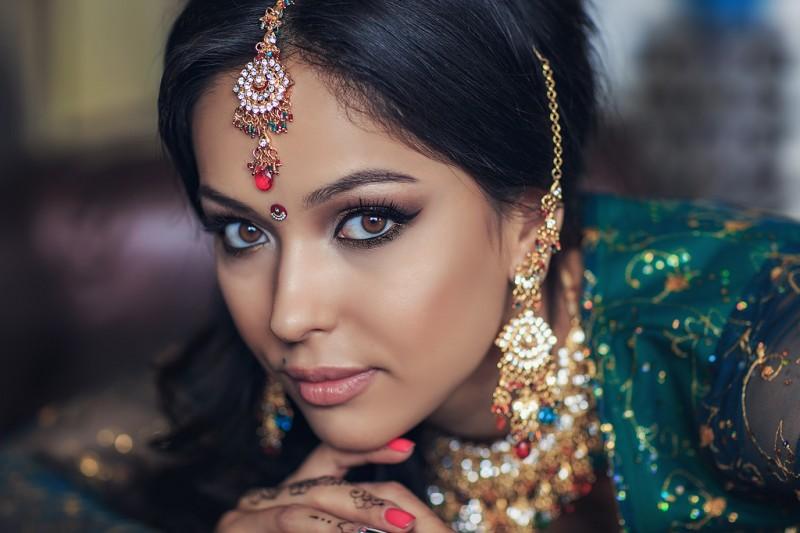 Онлайн с очень красивыми индийскими девушками