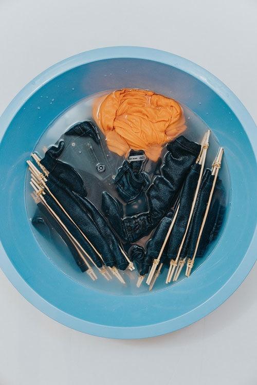 Как просто и красиво преобразить джинсы можете, помощью, создать, чтобы, джинсы, ткани, дизайн, хотите, краски, модернизировать, более, можно, бахромы, собственный, джинсам, наклеить, наклейкиКрасивый, горошекДобавить, горошек, тренде