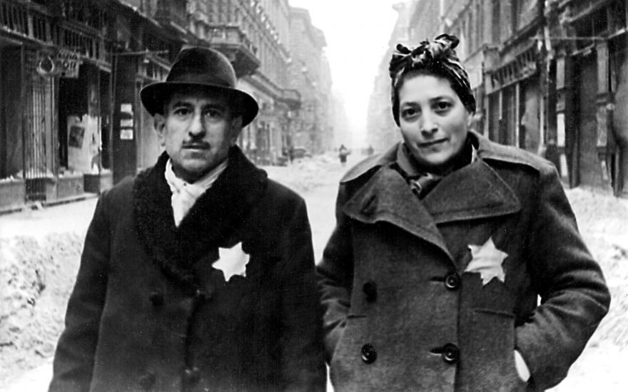 """Когда евреи заводят в очередной раз речь про """"Холокост"""", мне всё время хочется спросить: """"Вы какой имеете ввиду? Какой по счёту?"""""""