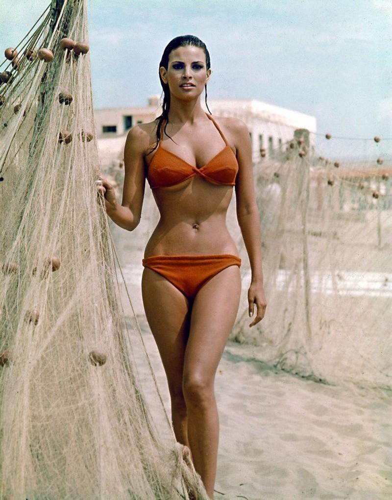 Женская фигура песочные часы фото