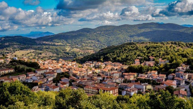 Деревня на Сардинии продает дома за 1 евро, чтобы привлечь новых жителей