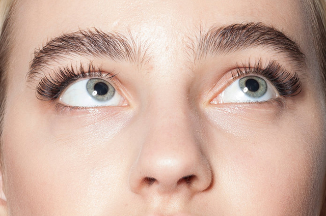 Экспертное мнение: работают ли сыворотки для роста ресниц экспертиза красоты