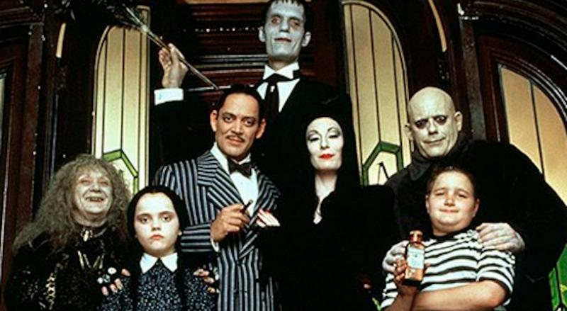 Милое очарование черного юмора: неизвестные факты об истории создания семейки Аддамс