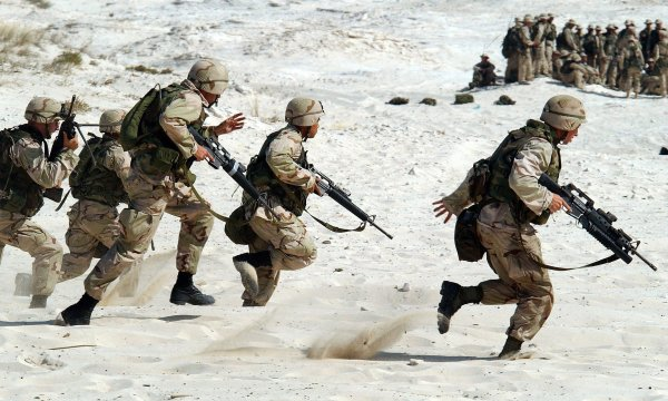 Армия Сирии задержала колонну американских военных и наемников ЧВК в Африне