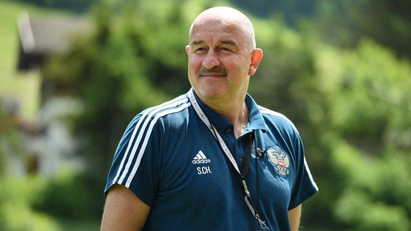 Тренер российской сборной прокомментировал ситуацию вокруг Кокорина и Мамаева