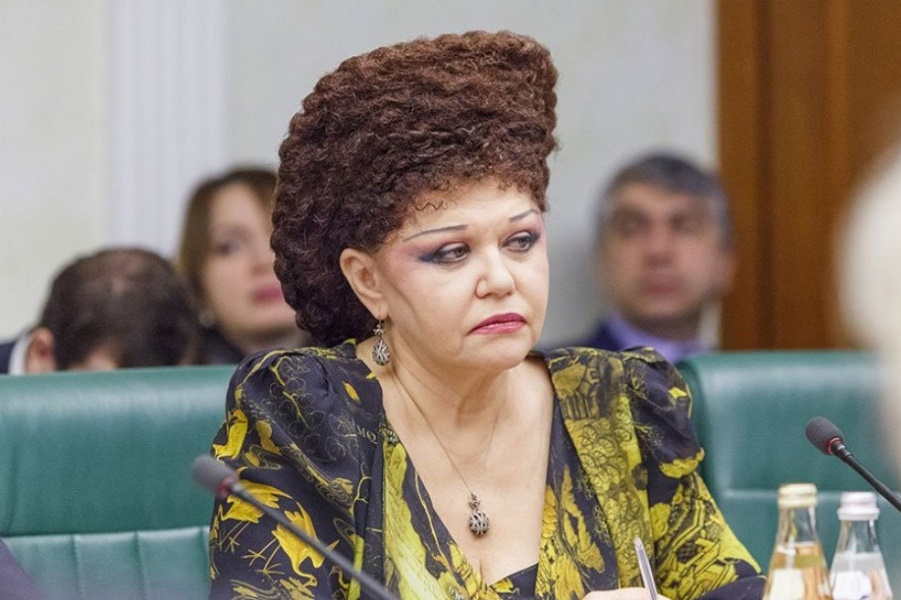 Прическа этой дамы - российского политика - увлекательная тайна