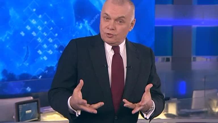 «Маленький Сталин сидит в нас и по сей день». Киселев выступил в защиту Кокорина, Мамаева и Серебренникова. И сослался на Путина Вести недели