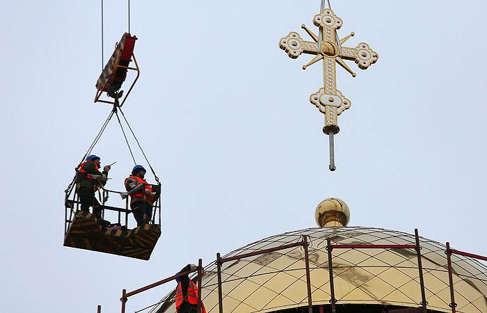 Патриарх Кирилл рассказал, что РПЦ строит три храма в сутки