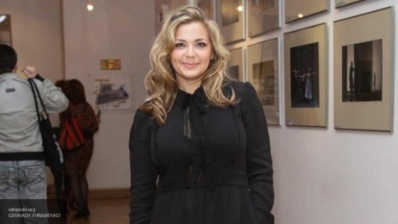 Топ похожих друг на друга российских актрис представили в Сети