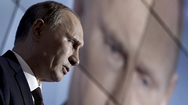 Путину пришло время вынуть туз из рукава