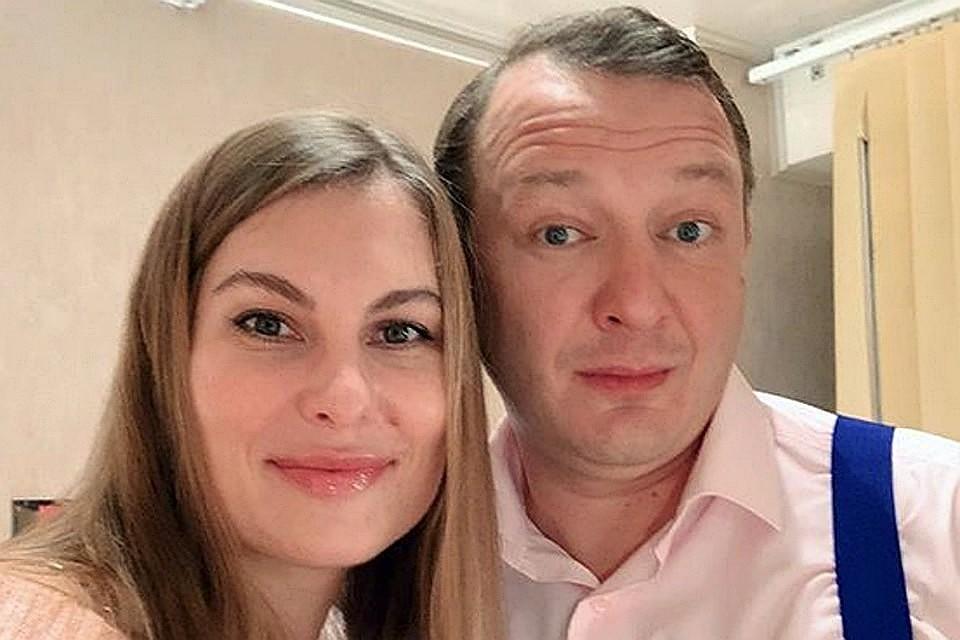 Скандал с женой Елизаветой уже отражается на финансовом благосостоянии буйного артиста. Фото: страница в соцсетях Елизаветы Башаровой