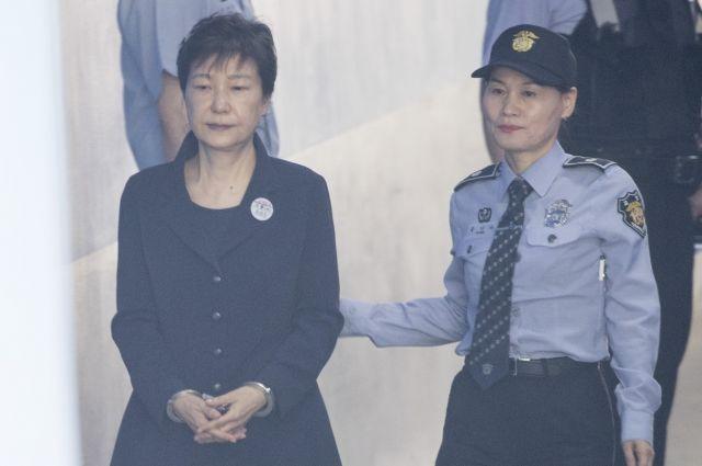 Экс-президента Южной Кореи приговорили еще к 8 годам тюрьмы