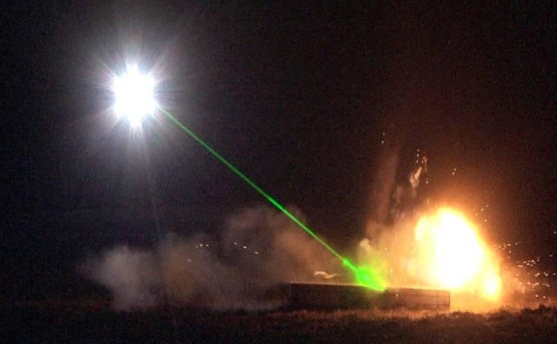 ВВС США планируют производить разминирование аэродромов с помощью лазера Техно