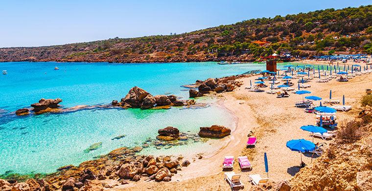 Туристы замусорили Кипр