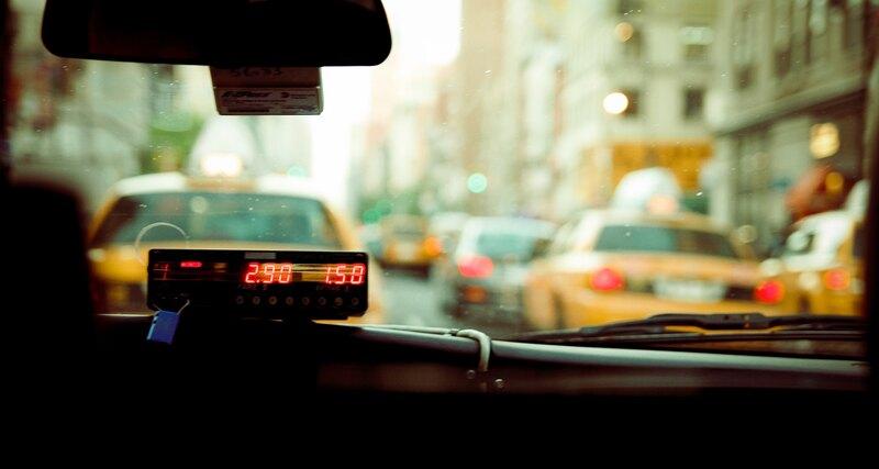 Агрегаторы такси не хотят ставить таксометры авто,Россия