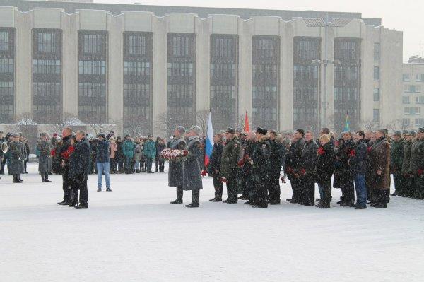 С сильной армией как-то спокойнее: в Санкт-Петербурге отгремел День защитника Отечества