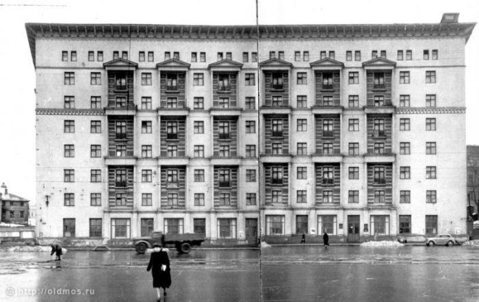 Дом 38/40 по улице Чкалова. Фото 1950 года. интересное, москва, старые фото, фото