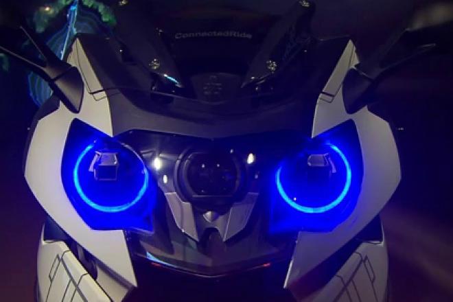 BMW показали мотоцикл с автопилотом
