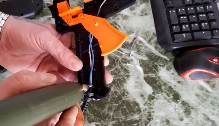 Как восстановить сорванную резьбу в пластиковом изделии за считанные минуты