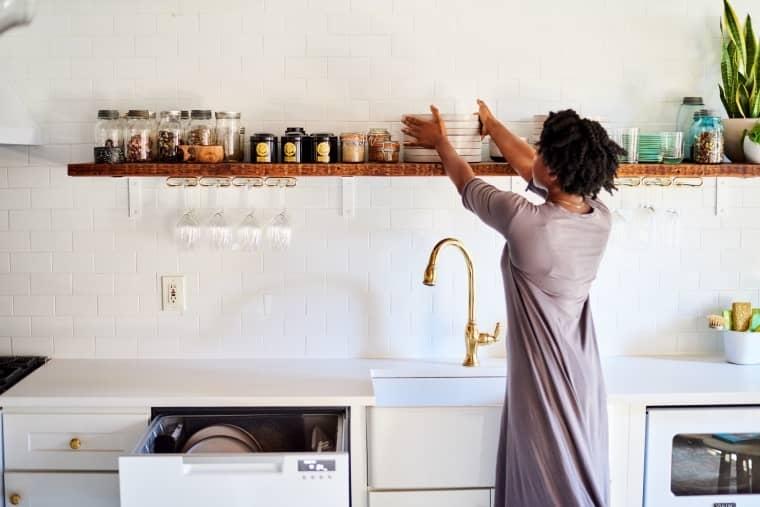 Мыть посуду сразу после использования