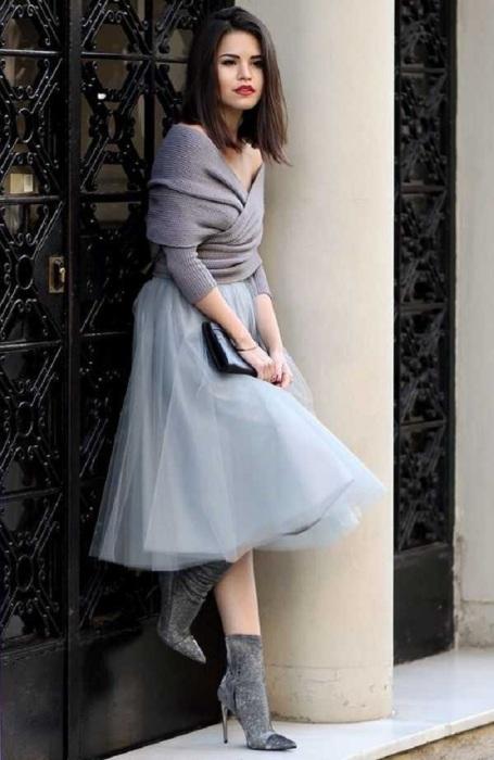 Серый цвет будет отличным решением для встречи Нового Года. / Фото: elle.ru