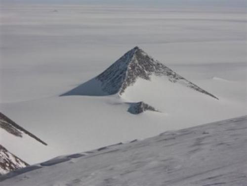 Странные объекты в Антарктиде: следы подо льдом Культура