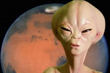 Прилетает на Землю инопланетянин, чтоб внести землян в «Каталог разумных цивилизаций» и спрашивает...