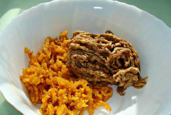 Полезная, сладкая, а главное простая в исполнении колбаска из сухофруктов — очень вкусный десерт! рецепты