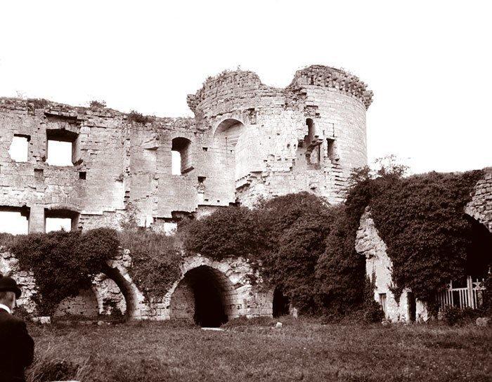 Замок Куси, Франция, 1904 ХХ век, винтаж, восстановленные фотографии, европа, кусочки истории, путешествия, старые снимки, фото