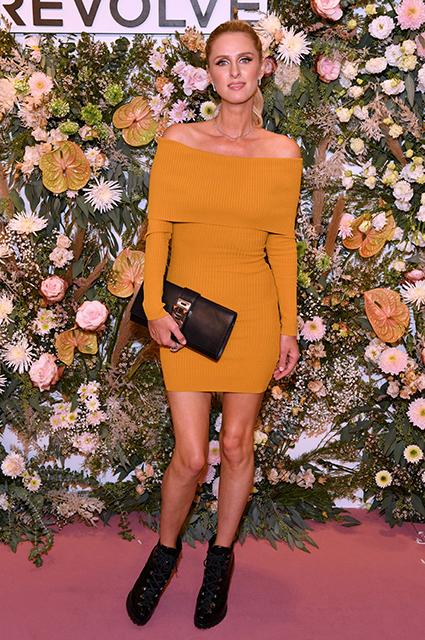 Пэрис и Ники Хилтон, беременная Кайли Дженнер, Ирина Шейк и другие звезды на модной презентации в Нью-Йорке Новости моды