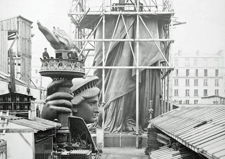 Как выглядели знаменитейшие достопримечательности 100 лет назад памятник, время, последние, башня, площадь, можно, памятника, Однако, раньше, близкий, поднятом, расположенной, площадке, стоящих, людей, видно, снимке, посещать, символ, узнаваемый