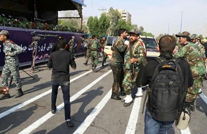 Теракт в Иране: во время военного парада по толпе открыли огонь