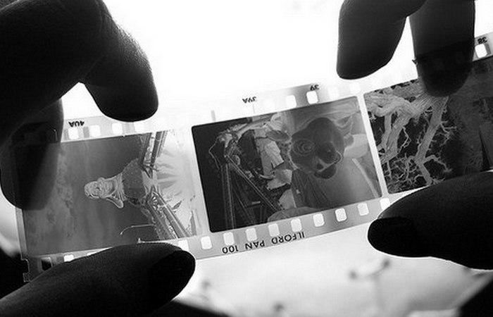 печать фото с пленочного негатива фото окружении мужчин