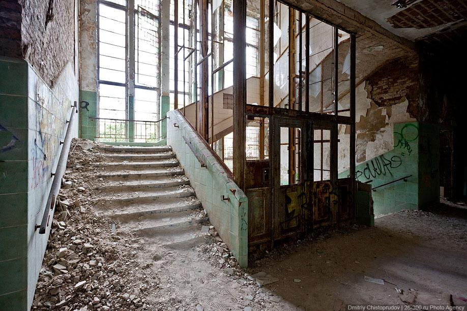 Заброшенный советский госпиталь под Берлином дороги, корпуса, железной, здания, зданий, также, является, госпиталь, располагались, памятник, Германии, Берлина, земле, меняется, агукается, крикливый, младенец, Папаша, однако, неподалеку