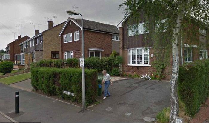 Британка увидела на панораме Google Earth умершую полтора года назад мать