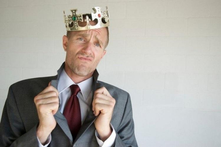 Как распознать предателя: 5 качеств человека, который может вонзить нож в спину