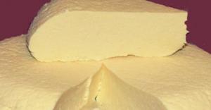 Как сделать брынзу в домашних условиях. Из 2 литров молока получим 1 кг сыра