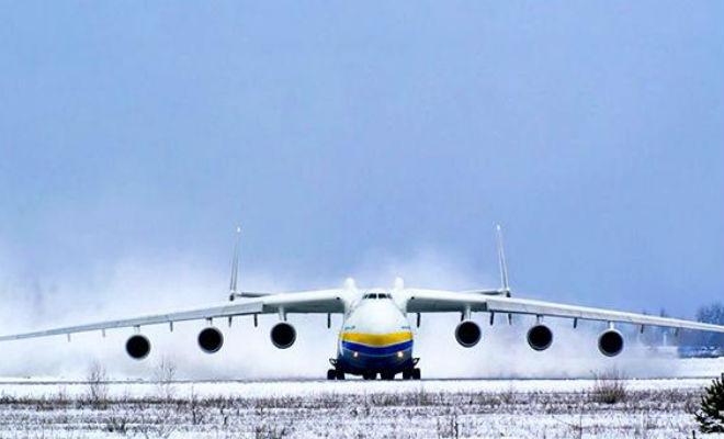 Как взлетает огромный самолет