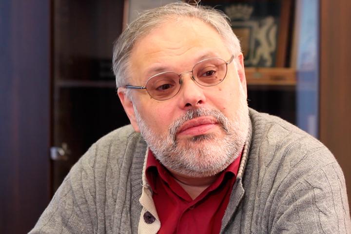М.Хазин: Могут ли в современной России выжить честные чиновники и какие варианты давления на них существуют