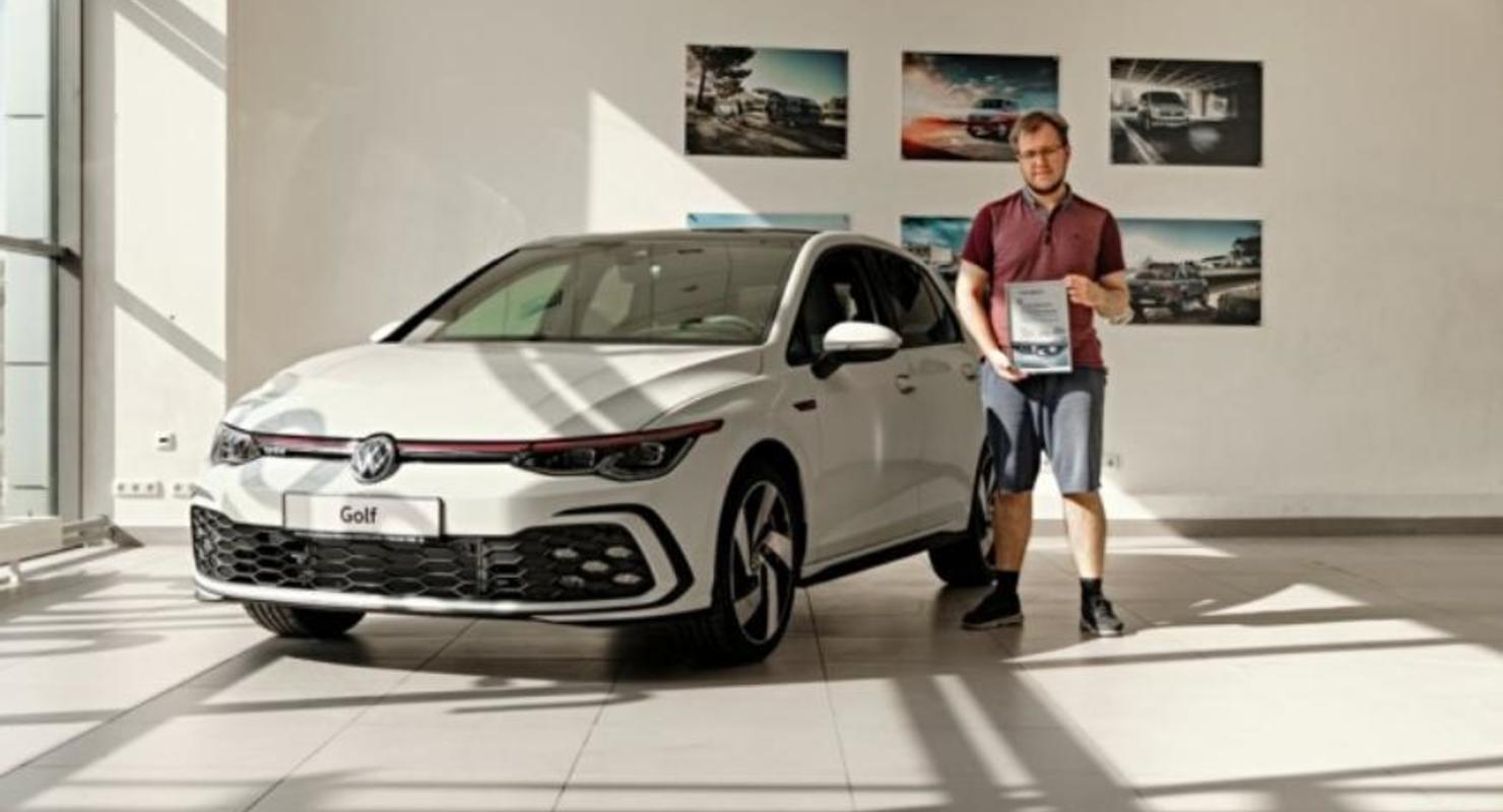 Первый в России новый Volkswagen Golf был продан в Санкт-Петербурге Автомобили