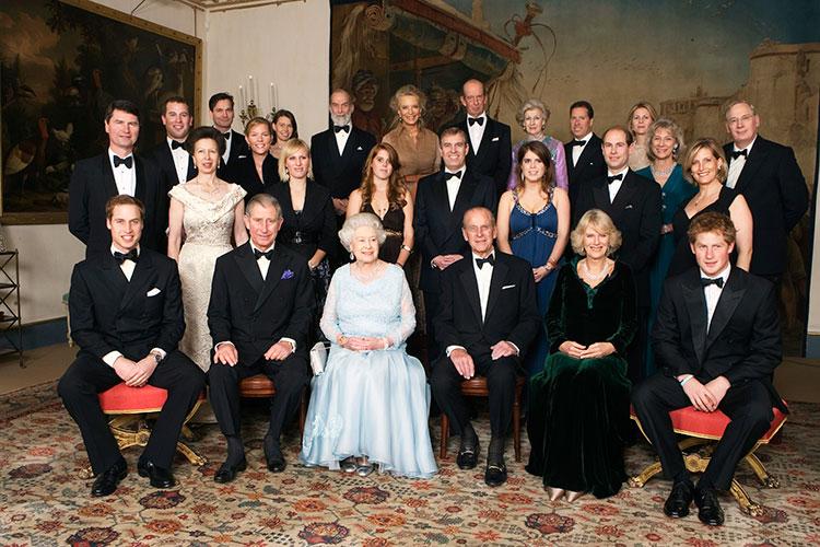 Друг принца Гарри рассказал о его отстранении от королевской семьи, разладе с принцем Уильямом и жизни с Меган Маркл в США Монархи,Британские монархи