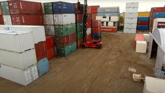 Из-за нехватки морских контейнеров в порту Шанхая экспортеры с трудом укладываются в график поставок ИноСМИ