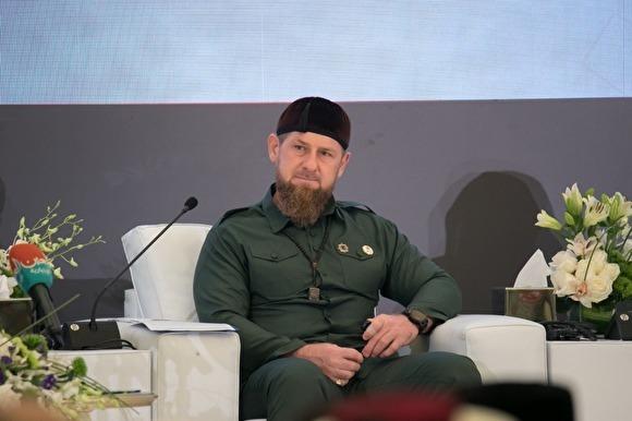 Кадыров поздравил Путина с 20-летием у власти: «Он поднял Россию с колен»