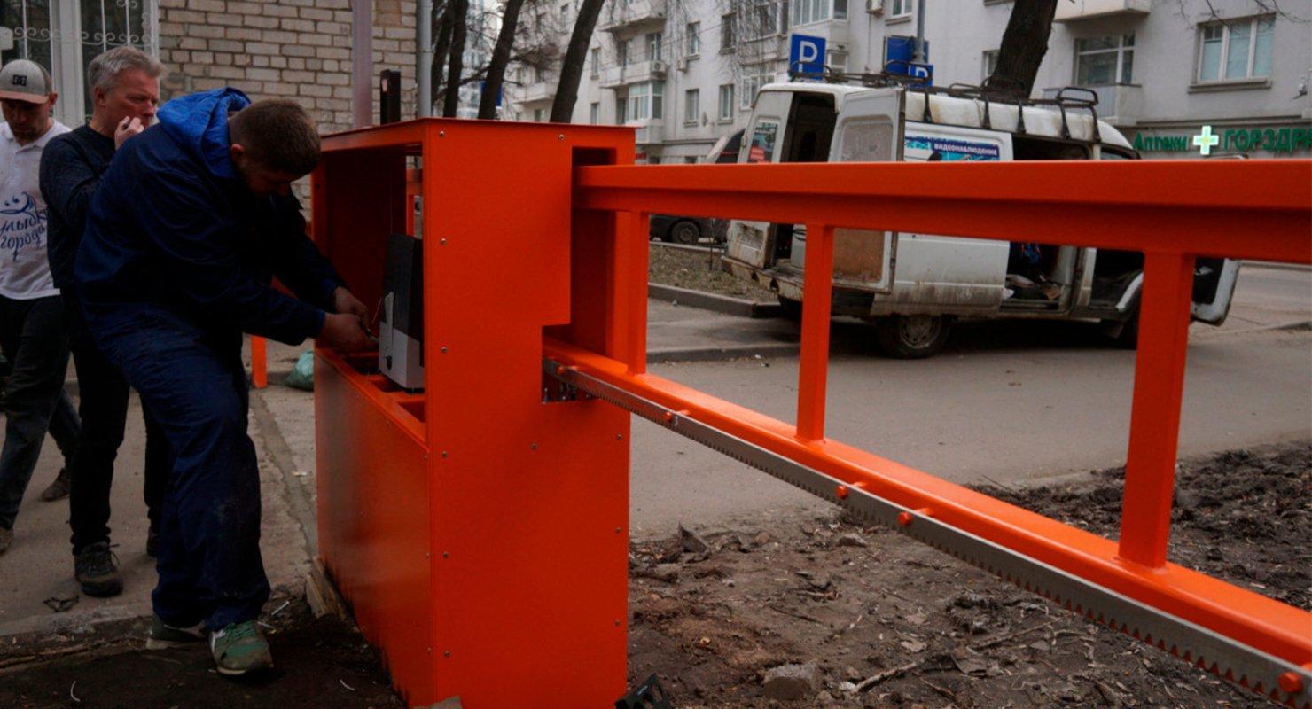 За парковку на местах для спецтехники могут ввести санкции Автограмота