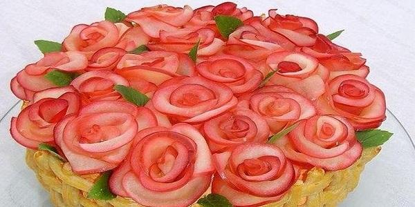Прекрасные пирожные на скорую руку Этот прекрасный букет роз ничто иное как вкусные и быстрые пирожные